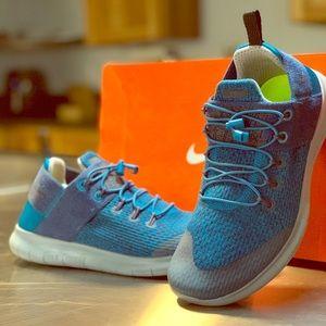 Women's Nike Free Rn size 8